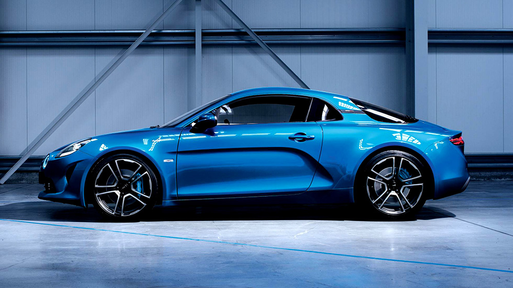 2017 Alpine A110 side view